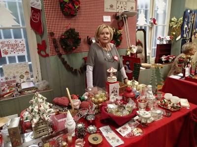Un magnifique stand pour nos décorations de Noël.